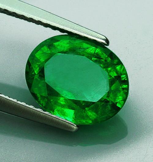 Fin 3,89 ct. smaragd.