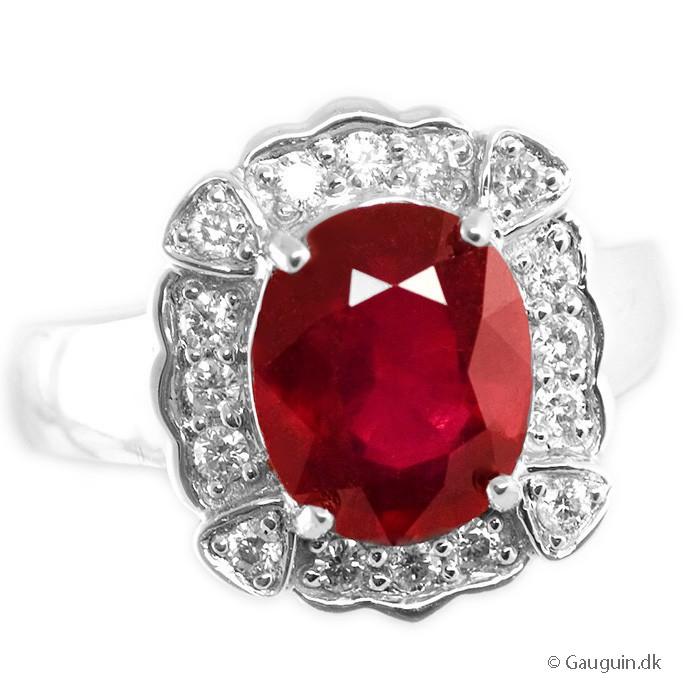 Flot 4,59 ct. rubin & diamant