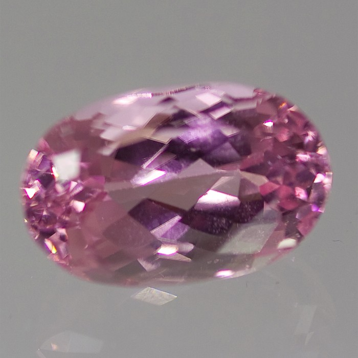 PURPLE-PINK 7,10 ct. oval sleben kunzite