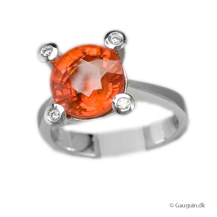 6,17 ct. intens orange safir ring